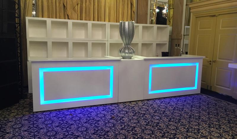 Witte houten design led voorzetbar huren lounge zo - Witte design lounge ...