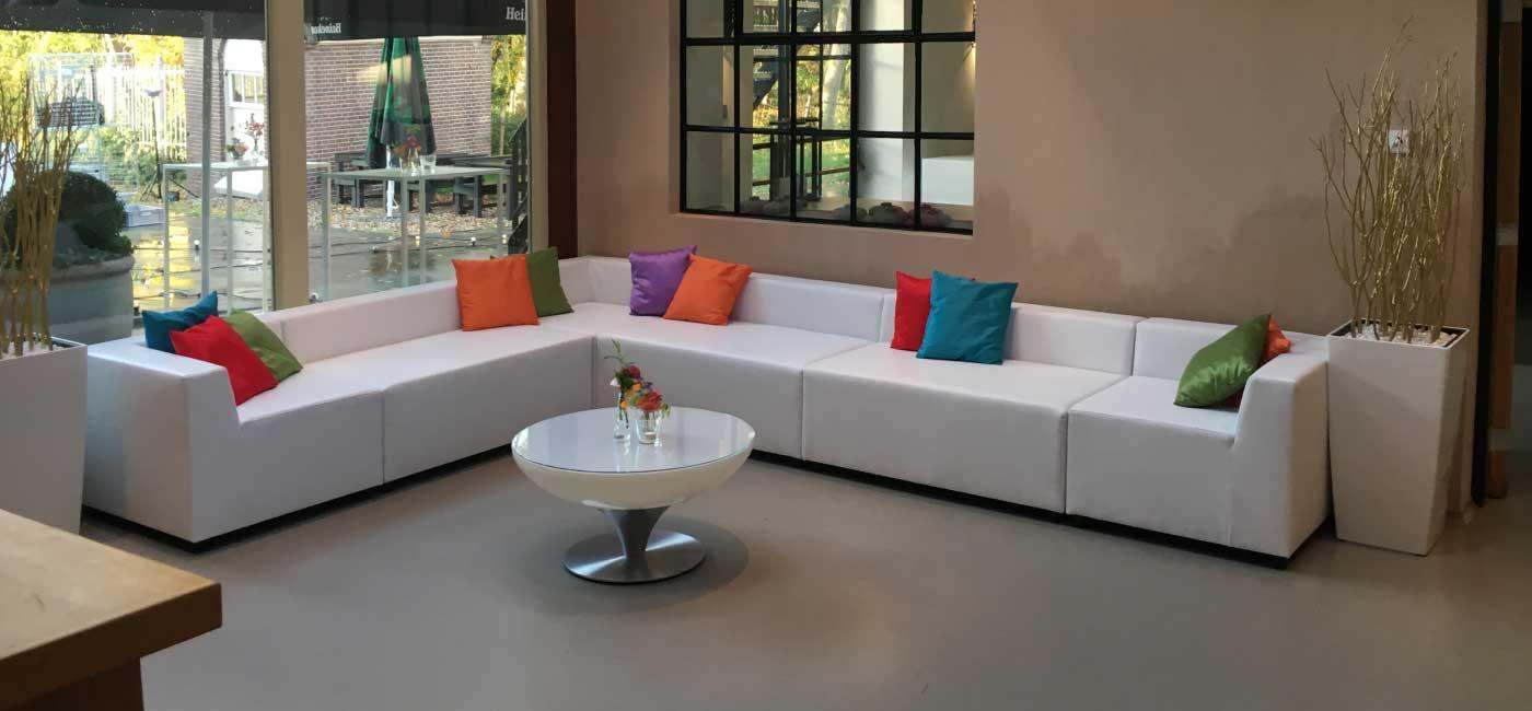 huren-design-lounge-beurs-meubilair