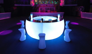 ronde led bar huren vondom curva